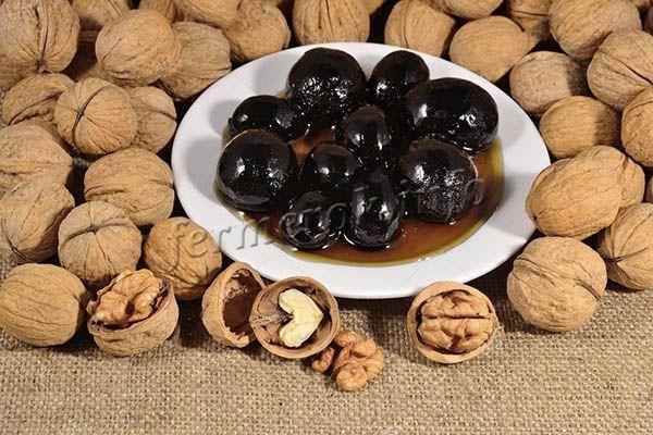 Классический рецепт варенья из грецких орехов