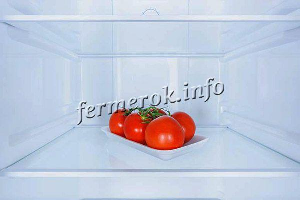 Свежие помидоры будут лежать в холодильнике 1-2 недели, зеленоватые – 2-3 недели