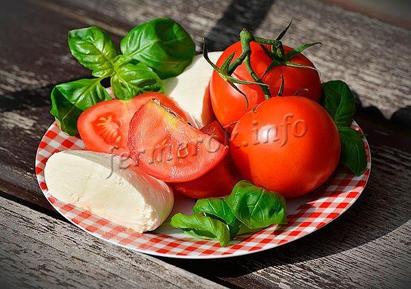 Ранние сорта томатов имеют сладковатый вкус и нежную тонкую кожицу